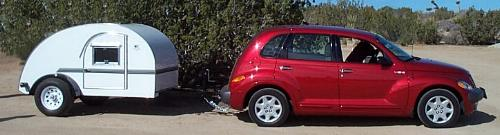 2002 PT Cruiser towes a 1946 Kit Mfg. Co. Replica